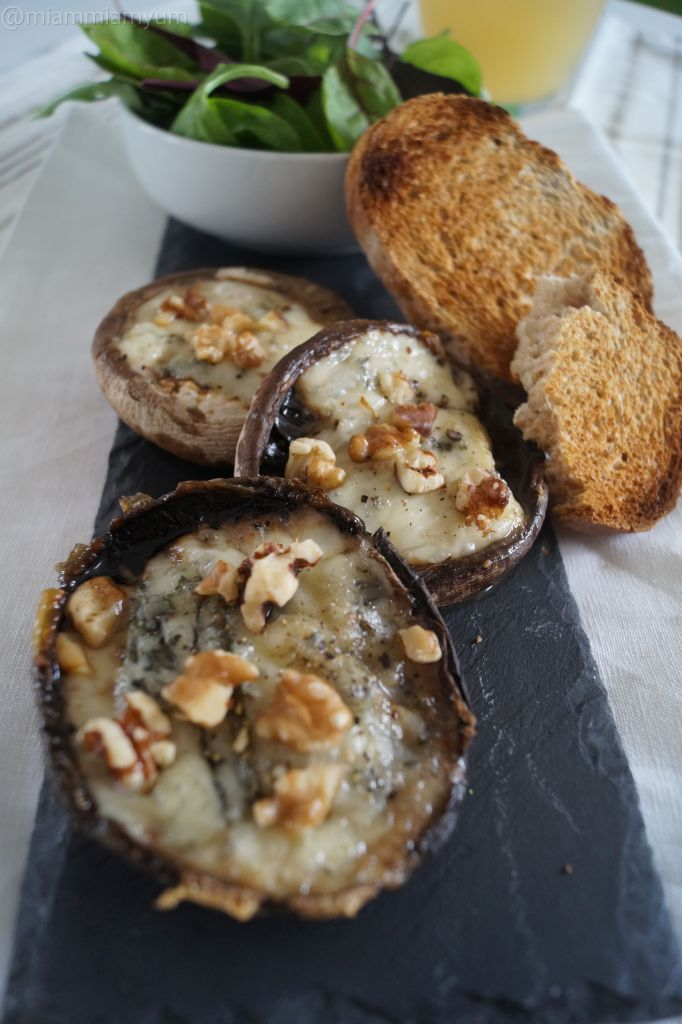 Blue cheese mushrooms 2