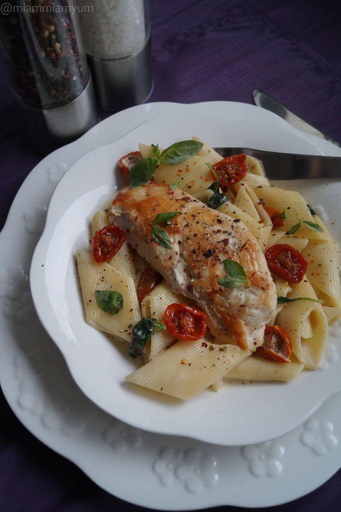 Chicken pasta creamy sauce