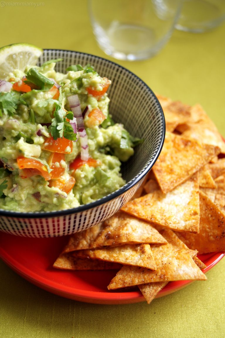 Guacamole & homemade tortilla crisps 1
