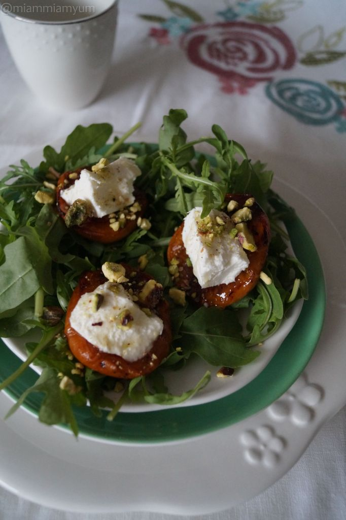 Roasted apricot, rocket, goats cheese salad
