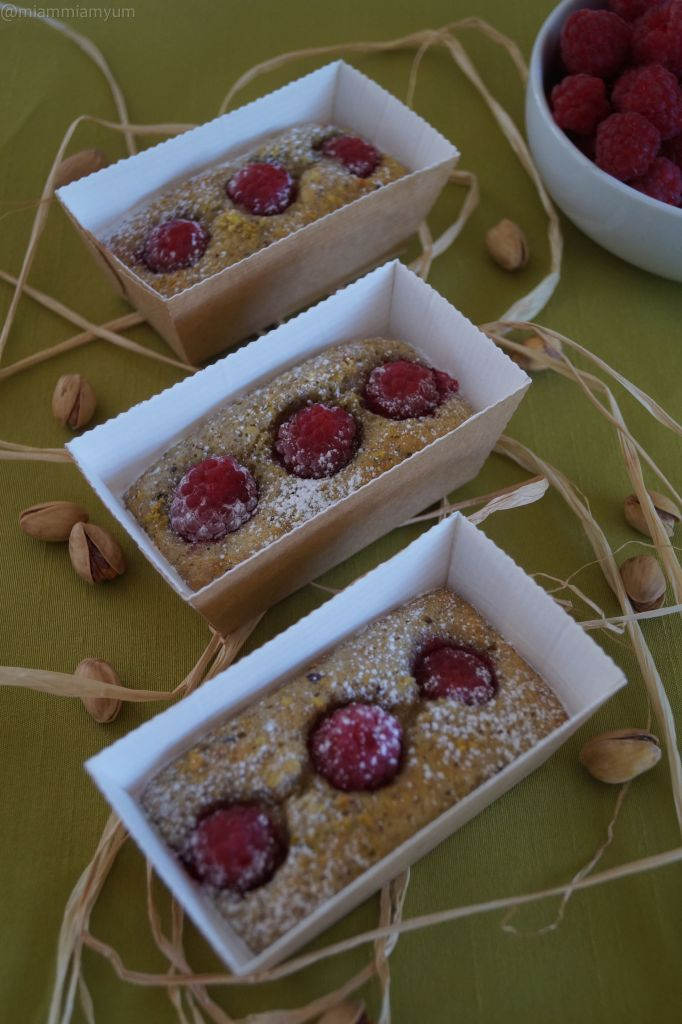 Pistachio & raspberry financiers