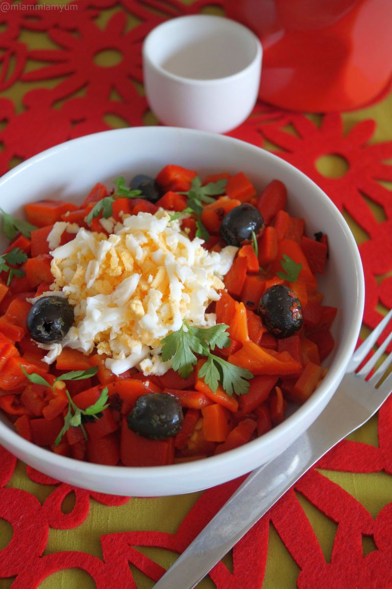 Roasted red peppers & egg salad 2