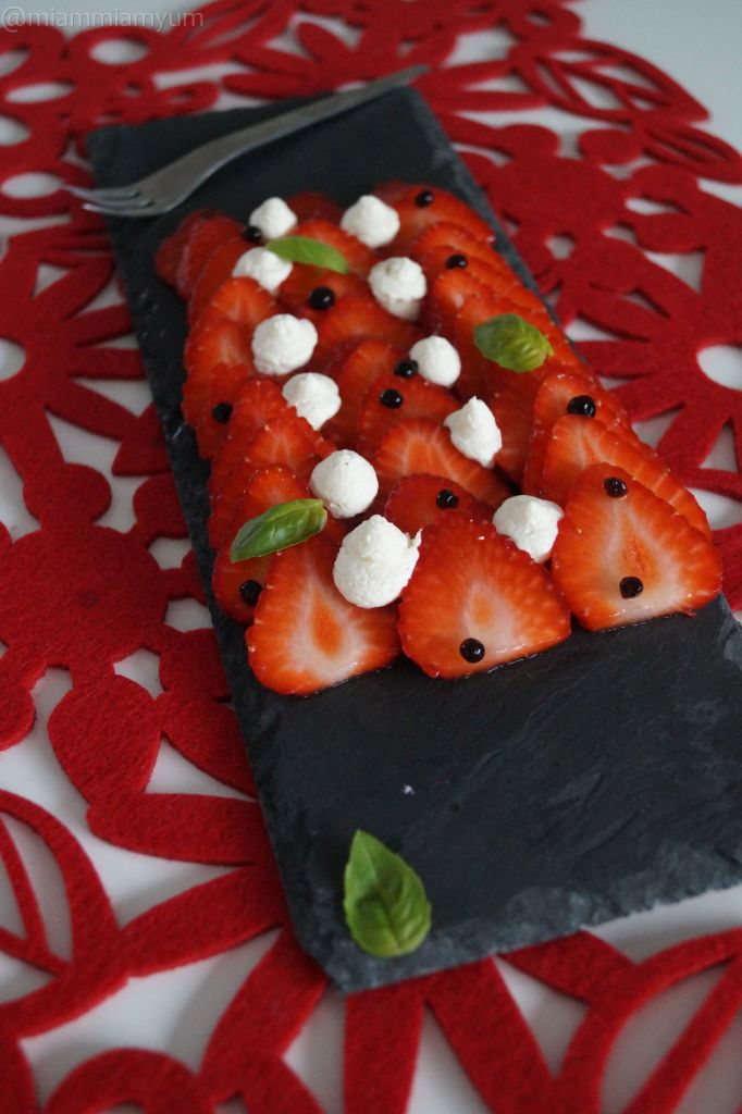 Strawberry carpaccio, balsamic pearls & basil
