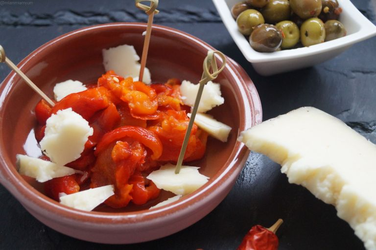 Grilled red pepper & manchego cheese