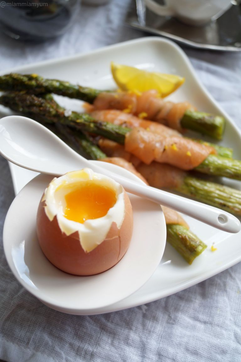 Asparagus smoked salmon soldiers & soft eggs 3