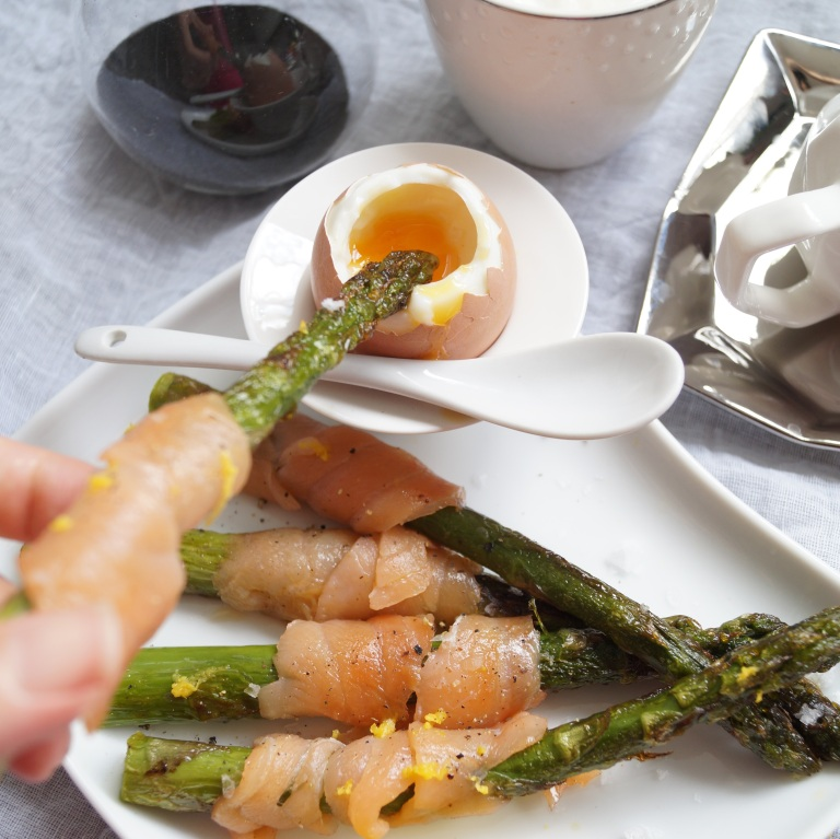 Asparagus smoked salmon soldiers & soft eggs 6