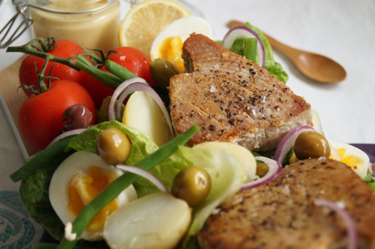Tuna steak nicoise salad 2