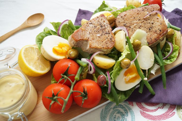 Tuna steak nicoise salad 3