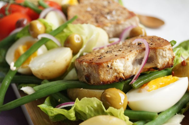 Tuna steak nicoise salad 4