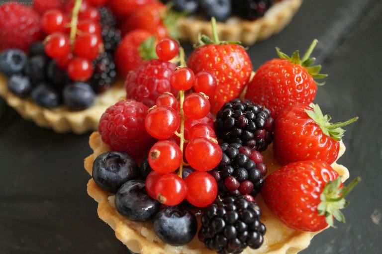 berry-tartlets
