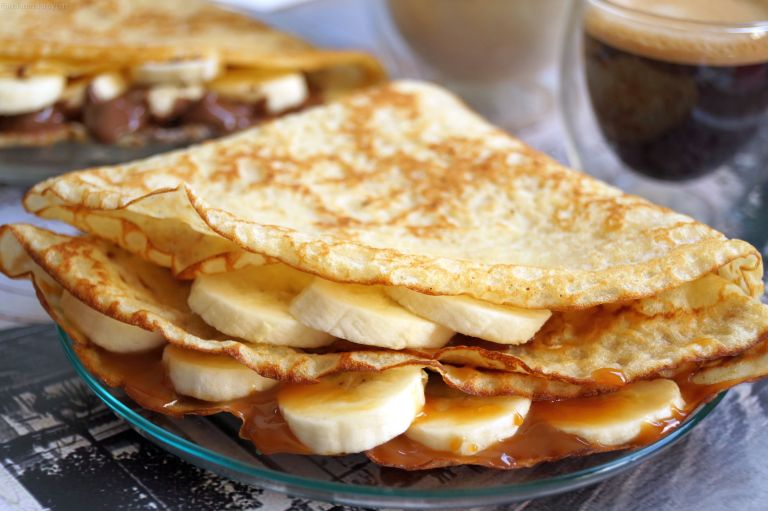 crepes-banana-caramel