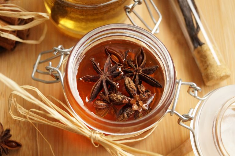 infused-honey-star-anise