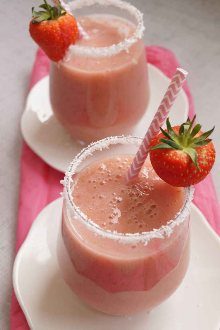 Strawberry coconut smoothie 2