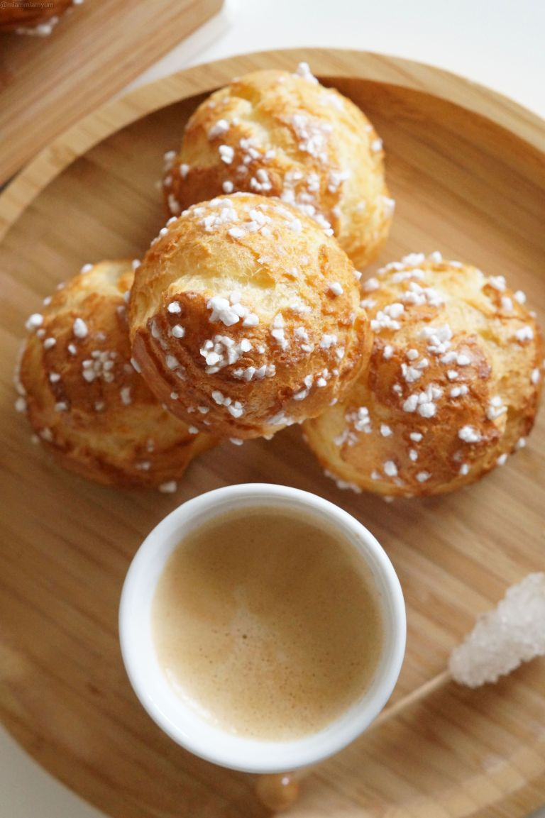 Chouquettes from above