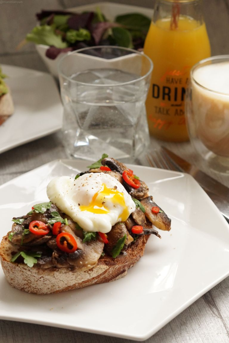 Mushroom sourdough toast & poached egg