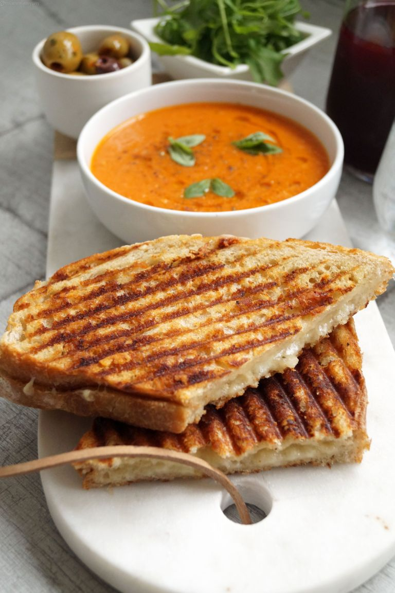 Grilled cheese & tomato, pepper soup