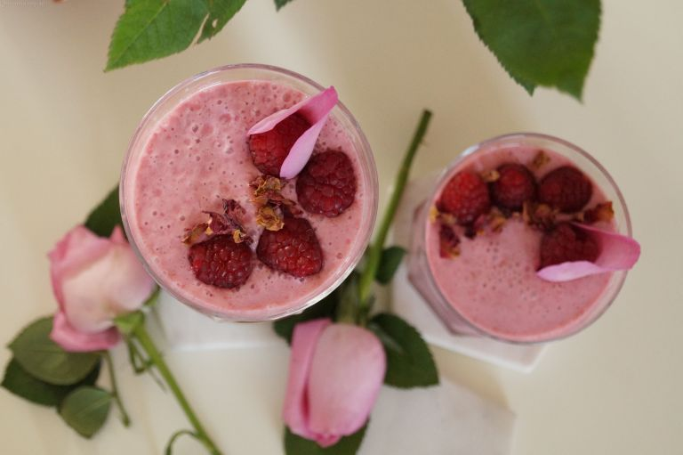 Ispahan smoothie - raspberry, lychee & rose 1