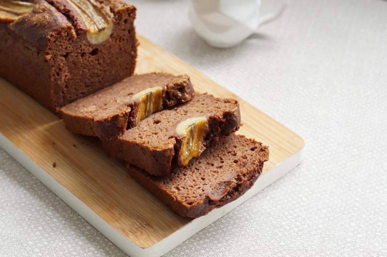 Chocolate & Pecan banana bread 1