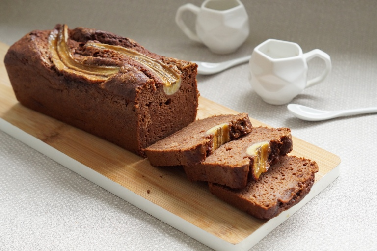 Chocolate & Pecan banana bread 2