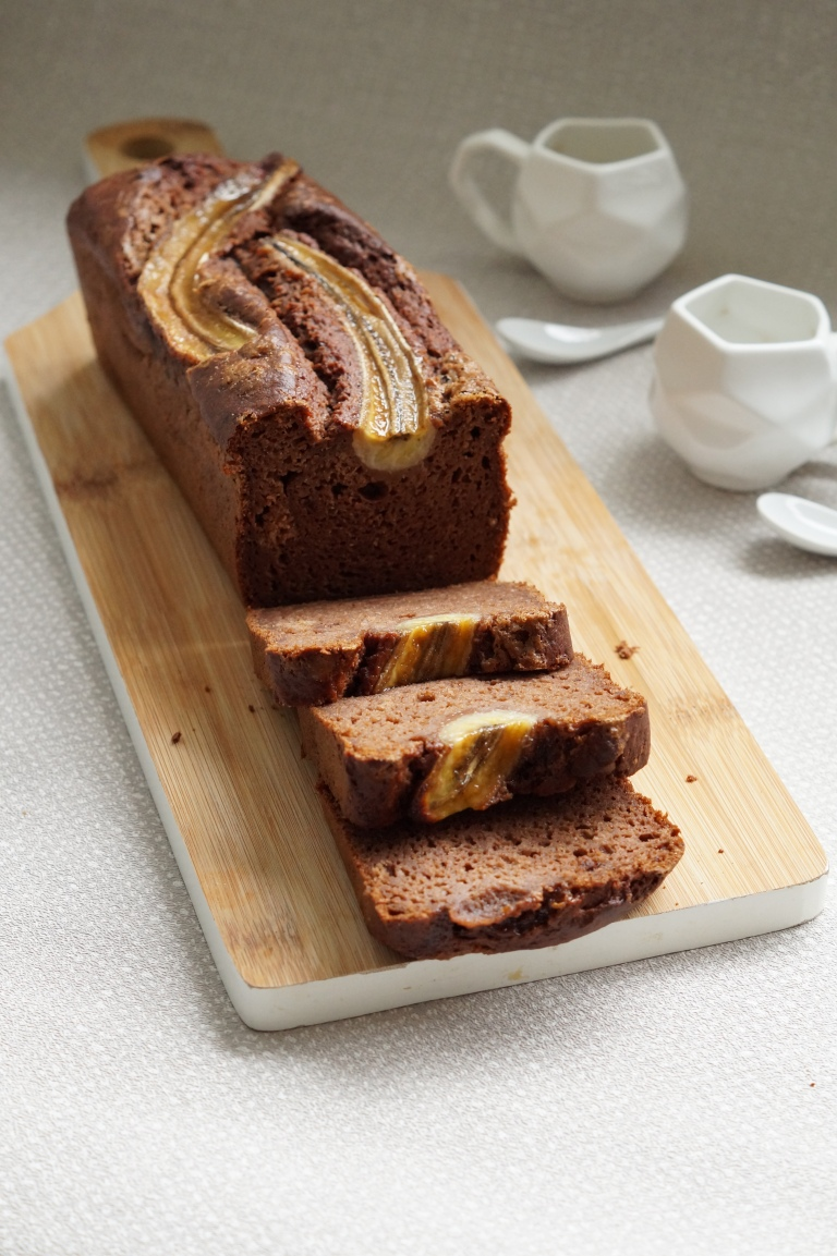 Chocolate & Pecan banana bread 3
