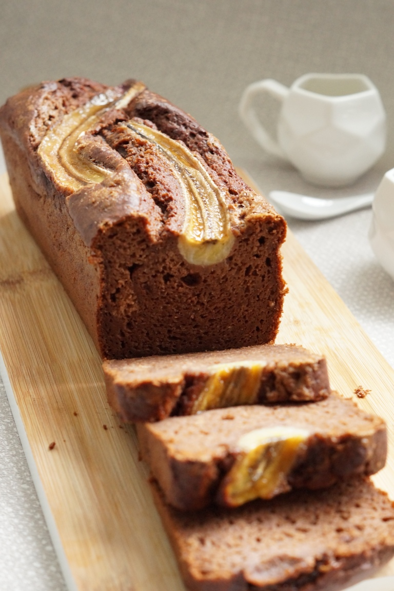 Chocolate & Pecan banana bread 4