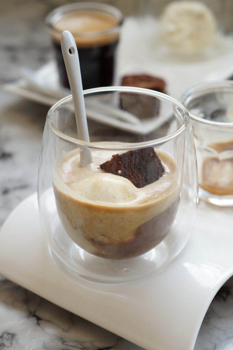 Affogato brownie close up
